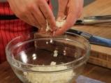 Коприва на фурна с козе сирене и доматен сос 5