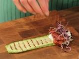 Рулца от тиквички с козе сирене и зелено олио 4