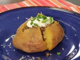 Печени картофи с гъби и кисело мляко