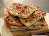 Плосък лучен хляб