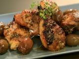 Печено пиле с ароматна коричка и маслини