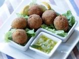 Рибени топки с медено-лимонов сос