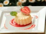 Пудинг от грис с ягоди