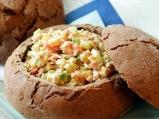 Салата в хляб
