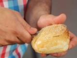 Супа с царевица и скариди в купичка от хляб 4
