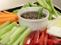 Баня кауда с хрупкави зеленчуци