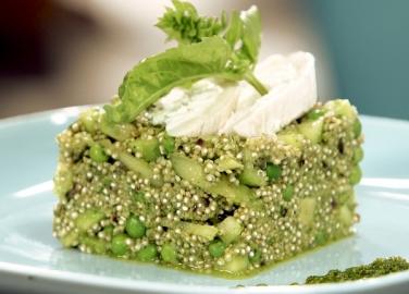 рецепта за салата с киноа в зелено от бон апети бон апети