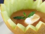 Студена супа от пъпеш с джинджифил