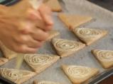 Бадемови бисквити с бял шоколад 4