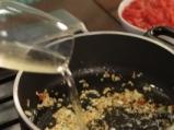 Спагети с кюфтета и доматен сос 5