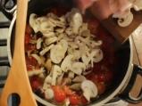 Пилешко с гъби и чери домати 4