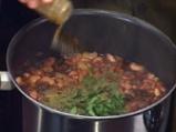 Боб по тракийски с маслини 3