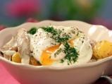 Поширани яйца с риба и картофи