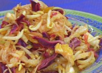 Бомбайска зеленчукова салата