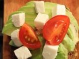 Сандвич с авокадо, овче сирене и чери домати 5