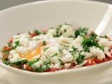 Поширани яйца с пикантен сос