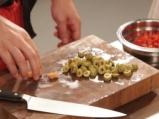 Салата от паста с печени чушки и маслини 2