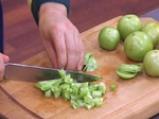 Фарфали със зелен доматен сос и царевица