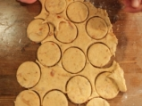 Солени бисквити с гъби и лук 8