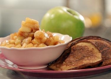 Джинджифилови палачинки с ябълки