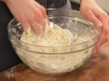 Рула от тесто с агнешко на пара