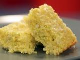 Царевичен кейк с праз и сирене