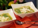 Супа от грах с паста и сирене