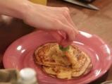 Нахутени палачинки с ябълки и стафиди 6