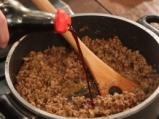 Кайма със зеленчуци върху жълт ориз 5
