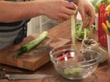 Кайма със зеленчуци върху жълт ориз 8
