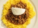 Кайма със зеленчуци върху жълт ориз 9