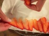 Еклерова торта с ягоди 11