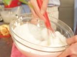 Еклерова торта с ягоди 7