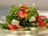 Спаначена салата със сирене и ягоди 4