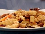 Пилешко с бамбук и гъби шийтаке