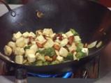 Броколи с тофу в бадемов сос 3
