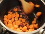 Зелено-оранжева крем супа