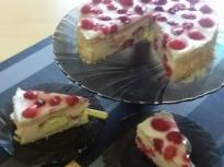 Еклерова торта с малини