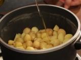 Картофена манджа с чоризо и пържени яйца 5