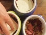 Гювечета с луканка, овче сирене и чушки 3