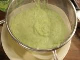 Студена супа от тиквички с крем сирене 2