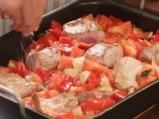 Свинско с чушки и домати на фурна 3