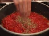 Патладжанени руладини с доматен сос 2