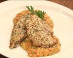 Пържоли от пилешки гърди върху шарено зеленчуково пюре  7