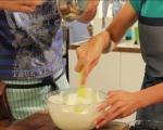 Млечен десерт с бишкоти и боровинки 4