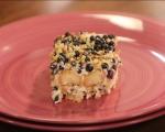 Млечен десерт с бишкоти и боровинки 9