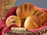 Хлебчета с бекон и лук