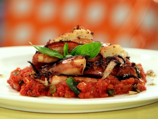 Октопод в доматен сос