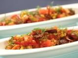 Топла салата с нахут и царевица