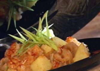 Зеле с ориз и картофи